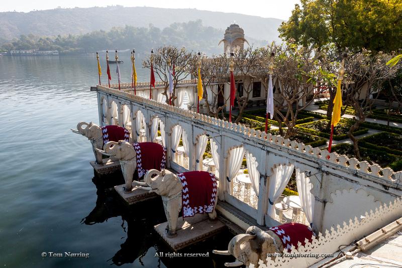 Elephants guarding Palace hotel. Jag Niwas. Lake Pichola. James Bonds Octopussi movie. Udaipur Rajasthan. India.
